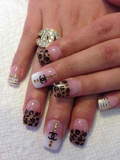 Two addictions! Fan Nails, Bling Nails, Love Nails, Bling Bling, Nail Art Kawaii, Cute Nail Art, Pretty Nail Colors, Pretty Nails, French Acrylic Nails