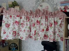 ikea rosali scheibengardine bistro gardine  von toertchenfrau via dawanda.com                                                                                                                                                     Mehr