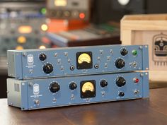 If you miss those boxy yet aesthetically pleasing handmade audio recording devices that used to be the norm decades ago, the Locomotive Audio should give you that nostalgia fix without compromising performance!
