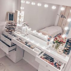 bedroom vanity decor ideas * bedroom vanity decor - bedroom vanity decor dressers - bedroom vanity decor ideas - bedroom vanity decor make up Girl Bedroom Designs, Room Ideas Bedroom, Teen Room Designs, Bedroom Bed, Dressing Room Design, Makeup Room Decor, Decor Room, Bedroom Decor Glam, Makeup Studio Decor