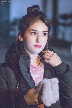 Jeon Somi Jeon Somi, South Korean Girls, Korean Girl Groups, Jung Chaeyeon, Kim Chungha, Cute Korean, K Idols, Korean Singer, Kpop Girls