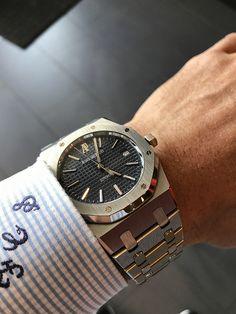 Daytona vs AP Royal Oak - Page 2 - Rolex Forums - Rolex Watch Forum Audemars Piguet Gold, Audemars Piguet Diver, Audemars Piguet Watches, Luxury Watches, Rolex Watches, Watches For Men, Ap Royal Oak, Vintage Watches, Chronograph