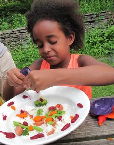 Noshi Food Paint - delicious organic stuff that kids can use to decorate their food. Eat the rainbow!