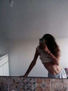 #stomache #girl #curlyhair #bathroom #photo #mirror #mirrorselfie #muscles