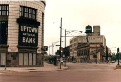 Lawrence and Broadway. The bank is now a Starbucks. Oak Park Chicago, Chicago River, Chicago Illinois, Norwood Park, Albany Park, Chicago Pictures, Chicago Neighborhoods, My Kind Of Town, Old City