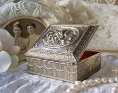Antique Jewelry Box Trinket Box Jewelry Casket by cynthiasattic, $39.00