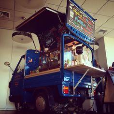 BBC Server design. Byron Bay Coffee Company Japan #vespa #ape50 #Piaggio #coffee #flatwhite #byronbay #byronbaycoffee #surf  https://www.facebook.com/byronbaycoffeecompanyjapan