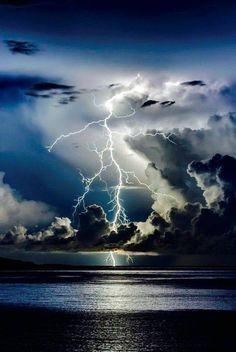 Divine Light by Edin Dzeko, Thunder storm, clouds, light beams, lightning… Images Cools, Wild Weather, Sunny Weather, Thunder And Lightning, Lightning Storms, Live Lightning, Thunder Clouds, Lightning Tattoo, Thunder Thunder