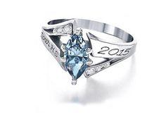 Reconocimientos | Anillos de Graduación | Foto Panorámica Graduation Nails, Graduation Jewelry, Jewelry Rings, Jewelery, Anklets, Pretty People, Class Ring, Heart Ring, Handmade Jewelry