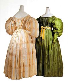 ca 1830 Biedermeier day gown and evening dress (green silk taffeta)