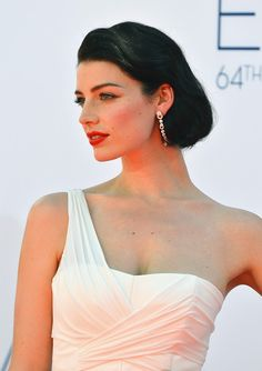 Jessica Pare at the 2012 Emmy Awards