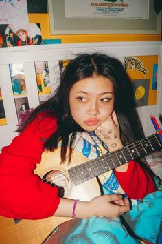 See beabadoobee pictures, photo shoots, and listen online to the latest music. Aesthetic Photo, Aesthetic Girl, Aesthetic Pictures, Pretty People, Beautiful People, Style Asiatique, Indie Girl, Fc B, Insta Photo Ideas