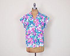 #Vintage #80s #Tropical #Floral #Shirt #Hawaii Floral Blouse Floral Top Floral Print Shirt Sleeveless Shirt #Slouchy #Oversize Shirt Women M Medium #Etsy #EtsyVintage #TrashyVintage @Etsy $28.00