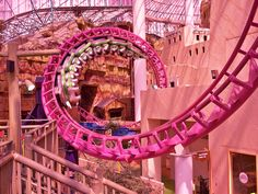 Pink Roller Coaster Circus Circus Las Vegas - Joey went with me when we went! Vegas Vacation, Las Vegas Trip, Vegas Fun, Nevada, Circus Circus Las Vegas, Roller Coaster Ride, Roller Coasters, Amusement Park Rides, Pink Summer