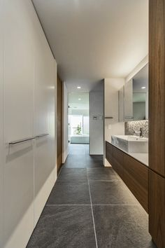 Interior Design Inspiration, Home Interior Design, Wc Public, New Toilet, Toilet Design, Bathroom Toilets, Japanese House, House Layouts, Bathroom Flooring