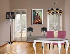 Vul de kleuren zwart en wit aan met een leuke vrolijke of frisse kleur. ga bijvoorbeeld voor opvallende eettafel stoelen. Is dit iets te veel, een schilderijtje in een lekkere kleur doet ook wonderen.