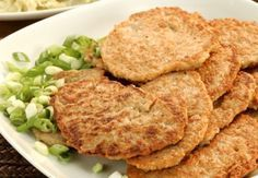 POHANKOVÉ PLACKY Lunch Recipes, Dinner Recipes, Healthy Recipes, Fritters, Main Meals, Quinoa, Paleo, Food And Drink, Veggies