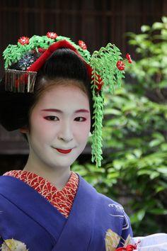 Maiko Fukuharu, Gion Higashi (via 八千代で舞妓さん撮影 ー富久春さんー: 写真生活)