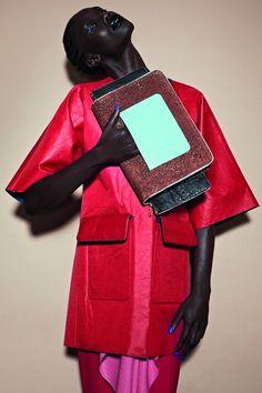 Die Handtaschen der Kollektion entstanden in Zusammenarbeit mit der Designerin Malin Bernreuthe.