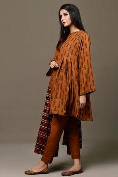 Girls Frock Design, Fancy Dress Design, Stylish Dress Designs, Beautiful Pakistani Dresses, Pakistani Dresses Casual, Pakistani Dress Design, Stylish Dress Book, Stylish Dresses For Girls, Simple Kurta Designs
