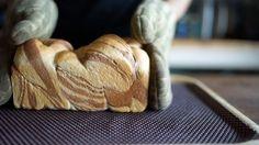 朝ごはんやおやつに♡ 簡単「ふんわりマーブルチョコ食パン」のレシピ