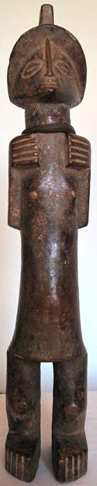 Elegant Lihamba female figure -Songo – Central Angola - Catawiki
