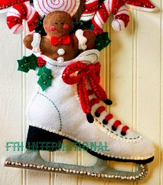 Christmas Greenery, Felt Christmas, Christmas Crafts, Christmas Traditions, Christmas Themes, Christmas Decorations, Felt Stocking Kit, Candy Cane Crafts, Felt Wall Hanging
