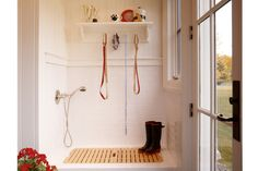 Mudroom Dog Shower - Design photos, ideas and inspiration. Amazing gallery of interior design and decorating ideas of Mudroom Dog Shower in garages, laundry/mudrooms by elite interior designers. Wet Rooms, Dog Design, House Design, Bath Design, Design Ideas, Design Inspiration, Garage Design, Country Laundry Rooms, Dog Washing Station