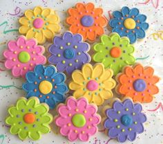 Medium Daisy Cookies - Daisy Decorated Cookies - Flower Cookies - Daisy Cookies - Favors - 1 Dozen