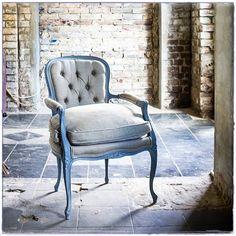 #Fotel #Szarotka #kabriolet #tapicerstwo_dawne_wspolczesne #uslugi #tapissier #upholstery #nasprzedaz #forsale #krzesło #fotel #mebel #szary #salon #мебельдлядома #interiordesign #homedecor #wystrojwnetrz #na_strychu_igora