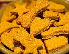 Crispy Turmeric Treats One way of feeding your dog the wonder herb turmeric is in these light and crispy treats. They are a healthy snack for your pup, and an easy way to get some of this wonder herb into their diet. Pumpkin Dog Treats, Homemade Dog Treats, Pet Treats, Healthy Dog Treats, Rabbit Treats, Homemade Food, Dog Biscuit Recipes, Dog Treat Recipes, Raw Food Recipes