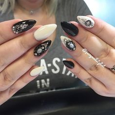 Victorian-ish Almonds. The link to book is in my bio. Online booking is my preferred method. #nailartist #jazzynailstudio #gothicnails #victoriannails #jazzynailstylist #blingdesigns #norcrossnails #almondnails #nailswag #black #white #monochromatic