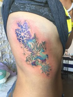 Watercolor tattoo snowflake winter  lo adoro..  ❄️❄️❄️