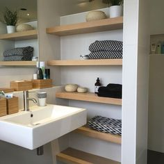 Nice Gorgeous Simple Bathroom Wooden Shelves Ideas To Make Best Organization Have you ever tried making a simple bathroom wooden rack? The presence of wooden shelves will certainly be able to change the style of the bathroom, s. Bathroom Design Decor, Shelves, Trendy Bathroom, Bathroom Shower Tile, Rustic Bathroom Shelves, Scandinavian Bathroom, Bathroom Storage Shelves, Bathrooms Remodel, Bathroom Design