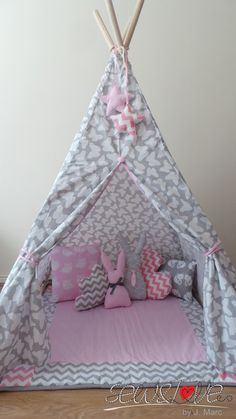 Looking for a family tent? Read about the Coleman Tenaya Lake cabin tent before you make a purchase on your family tent. Diy Teepee, Teepee Party, Teepee Kids, Teepee Tent, Teepees, Girl Room, Girls Bedroom, Baby Room, Slumber Parties