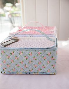 Date Night Storage Bins – Riley Blake Designs Storage Bins, Diy Storage, Fabric Crafts, Sewing Crafts, Riley Blake, Felt Ornaments, Homemade Gifts, Purses And Bags, Sewing Patterns
