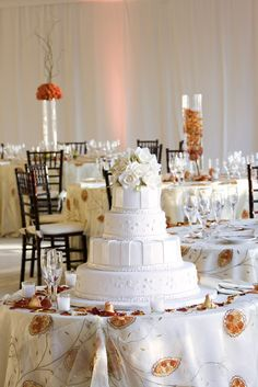 An all white wedding cake with white roses @ Pullman Miami Airport Hotel, USA Miami Airport, Airport Hotel, Sofitel Hotel, Miami Wedding Venues, All White Wedding, Modern Romance, White Roses, Contemporary Style, Real Weddings