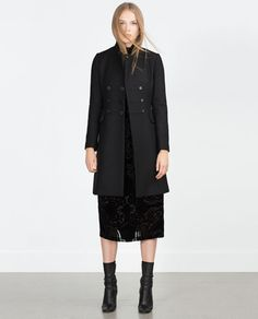 warm, black and just love it Zara Black Friday, Cold Weather Dresses, W Clothing, Black Pea Coats, High Street Fashion, Tailored Coat, Zara New, Outerwear Women, Comfortable Fashion