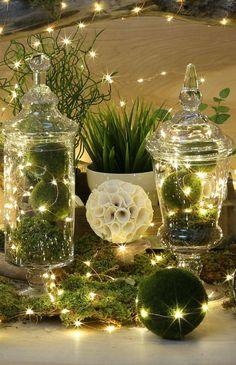 glasglocke weihnachtlich dekorieren mooskugeln lichteketten blumen tischdeko #weihnachtsdeko #ideen #christmasdecor