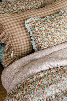 King Duvet Set, Queen Duvet, Chambre Indie, Liberty Fabric, Liberty Print, Duvet Bedding Sets, Home And Deco, Home Interior, New Room