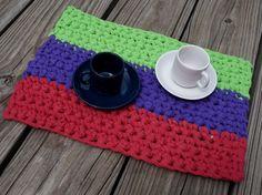https://flic.kr/p/ucb6En | Tapete de mesa - trapillo - crochet - ganchillo XL | Gineceo, María Tenorio, 2015