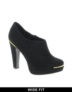 shoes and boots for mature plus size women - Google Search