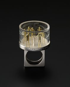 Asagi Meada,  Smoking lounge (Ring / Sept.2008)  Sterling silver, 18K gold, plastic