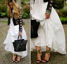 Fashion blogger Cara from A Fashion Love Affair in a pair of bebe sandals!