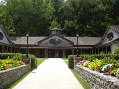 Jack Daniels Distillery - nice tour and free!