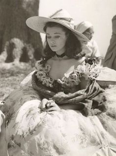 Scarlett O'Hara (Vivien Leigh) Gone With the Wind Golden Age Of Hollywood, Vintage Hollywood, Hollywood Stars, Classic Hollywood, Vivien Leigh, Divas, Old Movies, Great Movies, Fritz Lang