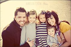 Site with great family photo ideas and outfit/color schemes
