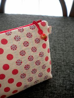 Harujion Design: Sashiko on polka dot fabric made into pouches