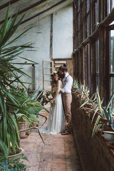 Un mariage bohème en pourpre et vert - Shooting d'inspiration à découvrir sur le blog mariage www.lamarieeauxpiedsnus.com - Photos : Margherita Carlati | la mariee aux pieds nus