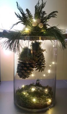 35 Incredible Home Decor Ideas With Christmas Tree Themes To Try Asap Christmas Tree Themes, Christmas Table Decorations, Christmas Wreaths, Christmas Ornaments, Christmas Projects, Christmas Home, Holiday Crafts, Holiday Decor, Decoracion Navidad Diy
